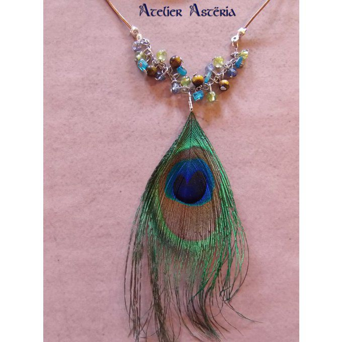 atelier_asteria-collier_plume_paon_pierres_semi-precieuses-peacock_feather_gemstones_necklace