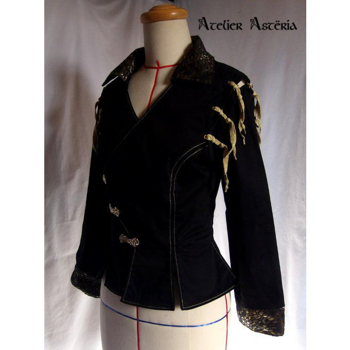 atelier_asteria-doublet_pourpoint_gn_femme_noir_or-creation_costumes_gn-larp_women_costume